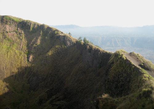 Tebing Puncak Gunung